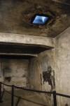 ガス室 上の穴がチクロンガスの噴出口